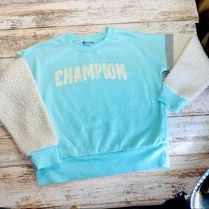 Champion crew neck with Sherpa sleeves (girls lrg)